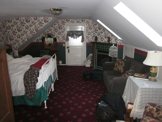 Cover Park Manor: Bedchamber