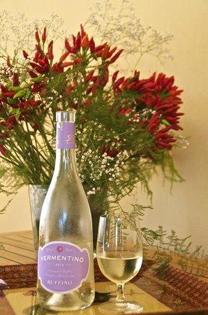 Ruffino - Tenuta di Poggio Casciano: A welcome glass of a nice chilled Vermentino