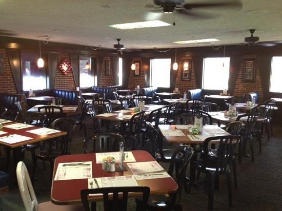 Scotto's Italian Restaurant: very cozy Italian atmosphere