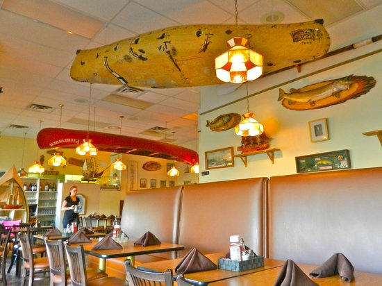 Anke and Tony's Seafood Restaurant: Looks northwoodsy to me