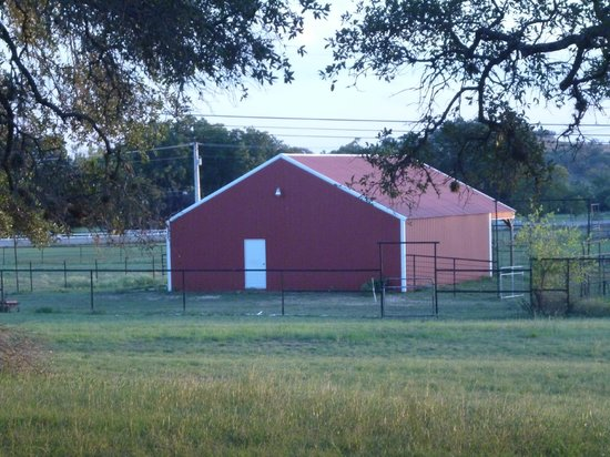 Texas Trail Rides: Cool barn in lower pasture
