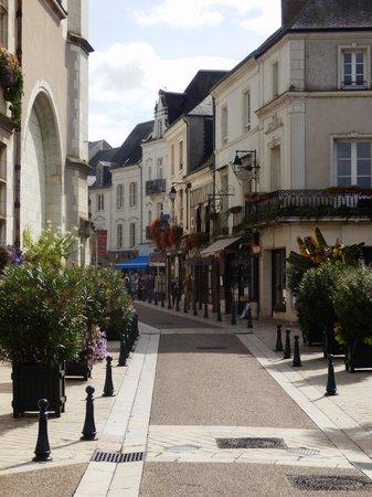 Logis La Breche: Amboise Main Street