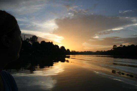 Bangkatan Homestay: Sunrise on the stunning river