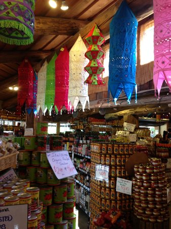 Old Country Market: Tons of Neat Shopping Here