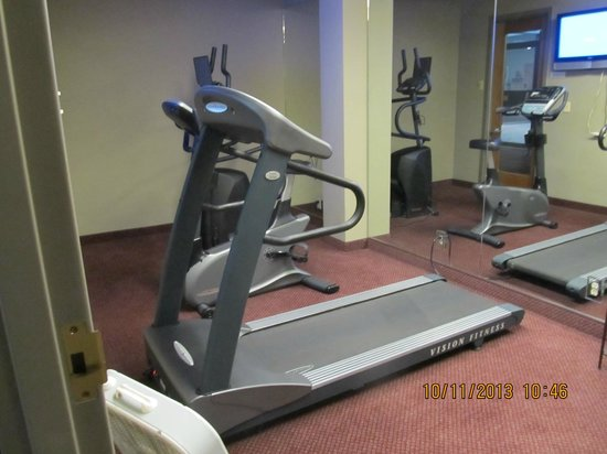 Grand Vista Hotel: Exercise room