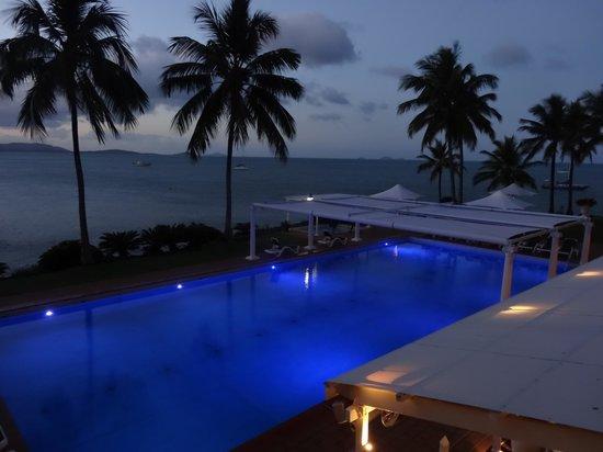 Coral Sea Resort: Pool By Night