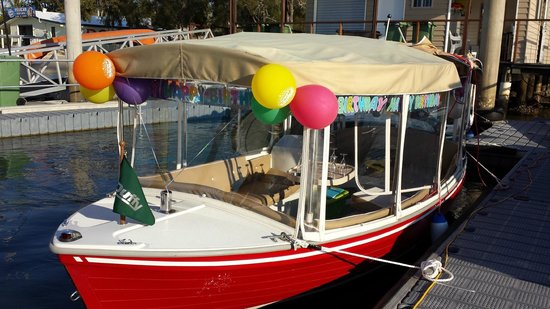 Malu Os Eco Boat Hire Noosa: Party
