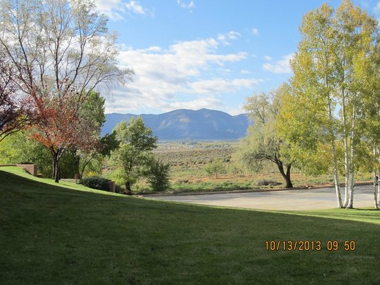 Holiday Inn Express Mesa Verde-Cortez: View from the grounds