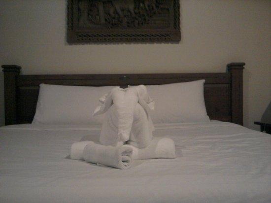 Sun Hill Hotel : Cute towel elephant