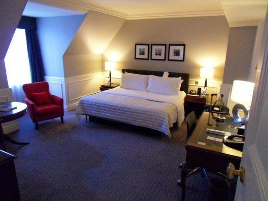Le Meridien Piccadilly: Club Room Facing Piccadilly