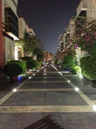 One to One Hotel - The Village : The hotel at night