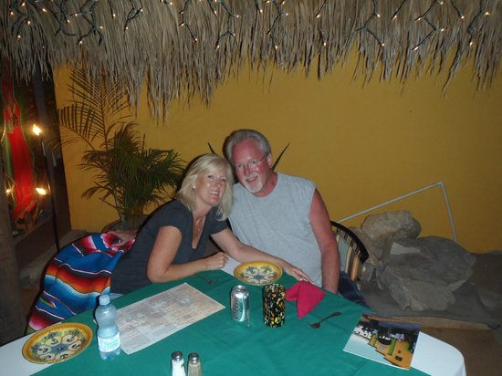 Sharky's Mesquite Grill : Enjoying a Great Dinner and Evening