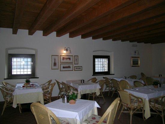 Hotel Faccioli: Столовая