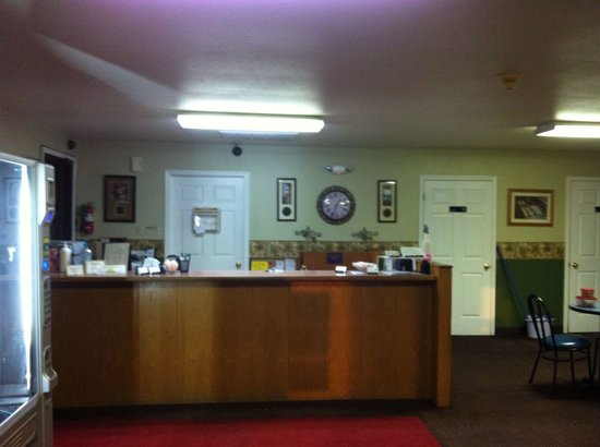 Galliano Inn Motel & Campground: Lobby