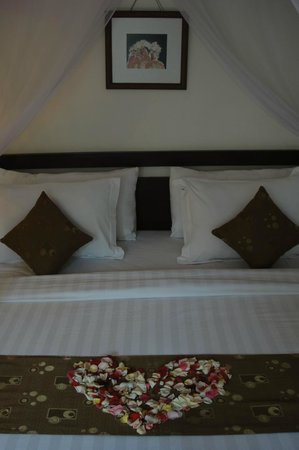 The Khayangan Villas : The Bed on Arrival