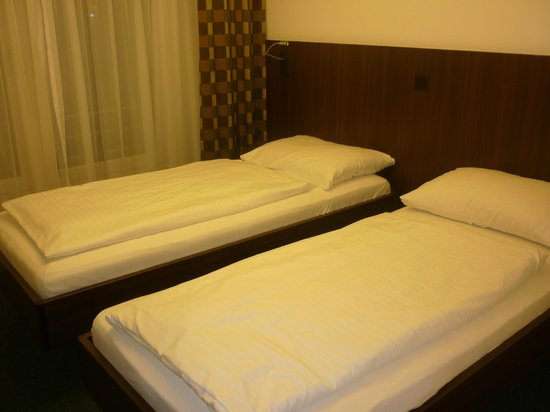 Hotel am Spisertor: beds