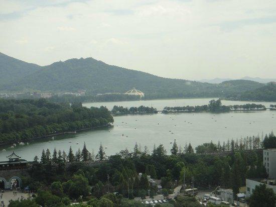 Lakeview Xuanwu Hotel: Vista desde el restaurante giratorio