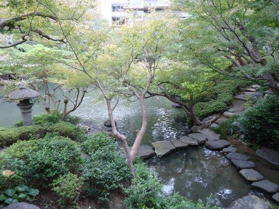 Happoen Garden: pond