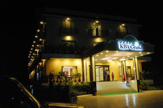 Hotel KB's Grand Shirdi: Main Entarance
