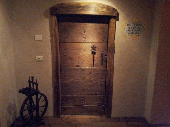 Hotel Miramonti : Au recoin du sous sol...
