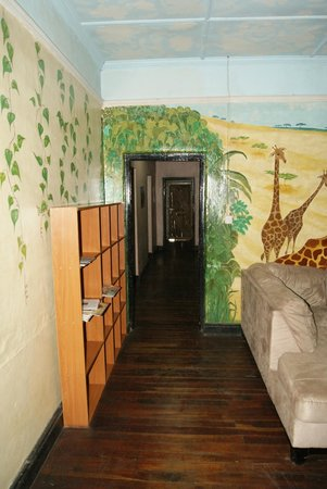 Manyatta Backpackers: Corridor