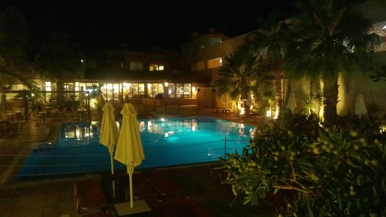 Grand Leoniki Residence : Main Pool