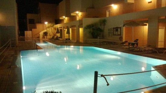 Grand Leoniki Residence : Smaller pool