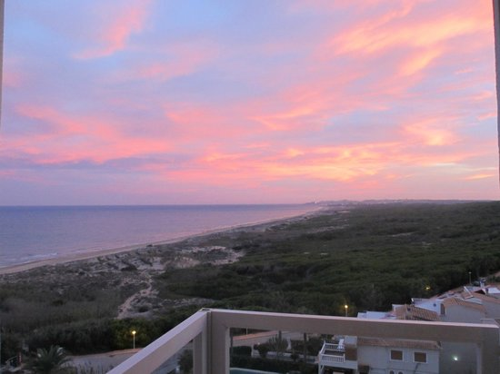 Hotel Playas de Guardamar: Lovely sunset from our room