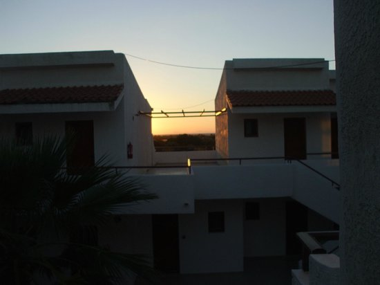 Vallian Village Hotel: Sunset