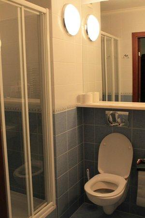 Belvedere Hotel : Bathroom