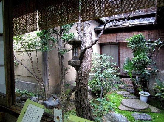Misoka-An Kawamichi-Ya Main Store : View from our back corner seat.