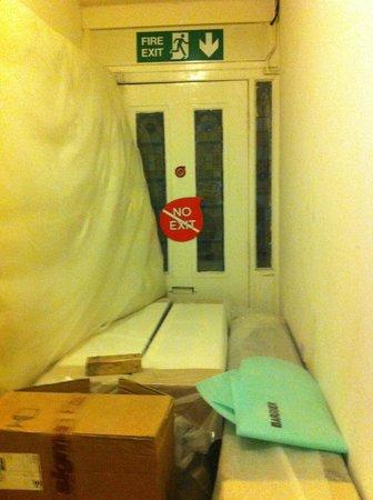 The W14 Kensington: uscita di sicurezza