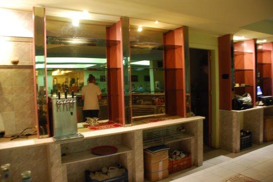 Golden Odyssey Kolimbia : Le bar  le jeudi de la dexième semaine, encore4 jours à tenir!