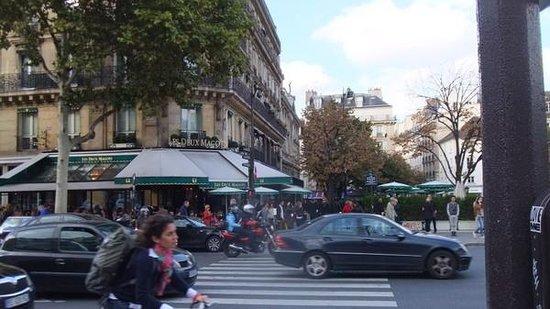Cafe Les Deux Magots: 外観