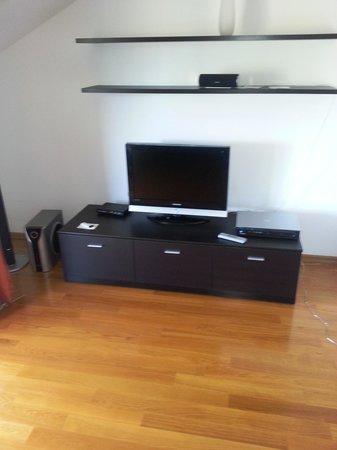Pervanovo Apartments: La tv