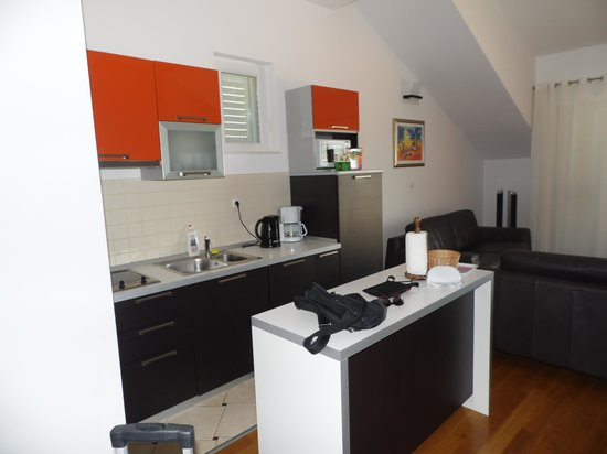 Pervanovo Apartments: La cucina