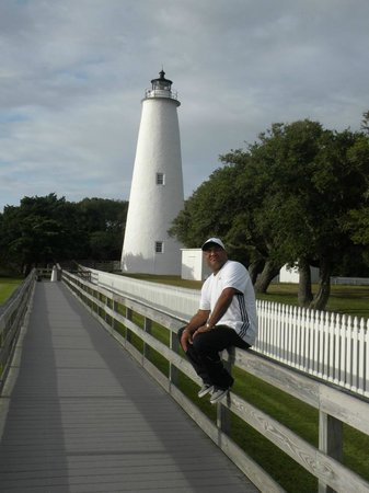 Ocracoke Lighthouse: ON / OFF
