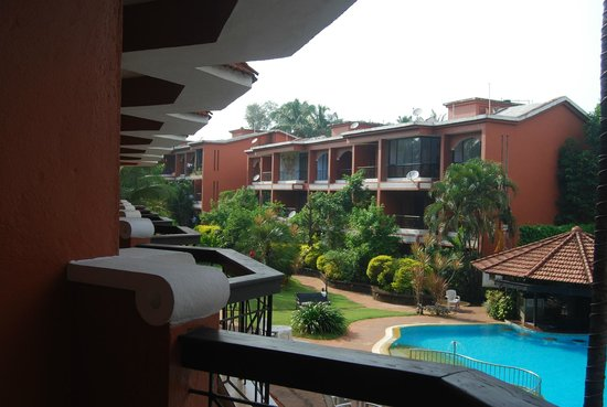 The Baga Marina Beach Resort & Hotel: View from the first floor room