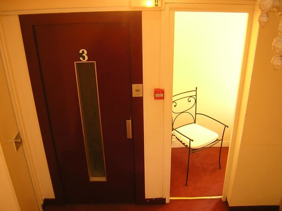 Modern Hotel Montmartre: Flur im Hotel mit Lift