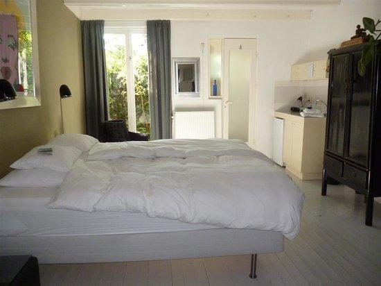 WestViolet Bed & Breakfast: Bedroom