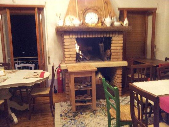 La Tana Dei Carbonari: Caminetto dove si cucinano le carni