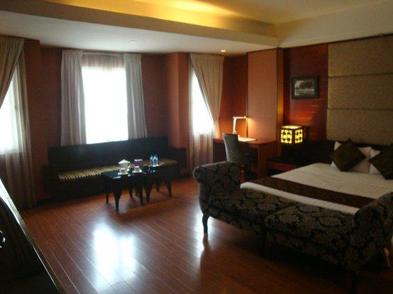Antique Hotel: Suite bedroom