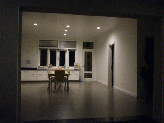 Villa Panda: open plan kitchen