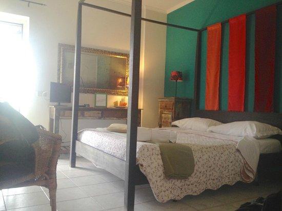 Abbraccia Morfeo: Our cozy room