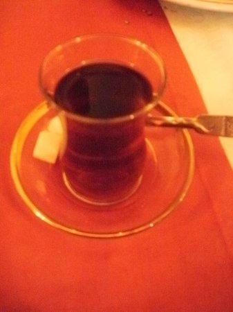 Diana Restaurant & Pub: té turco, por supuesto