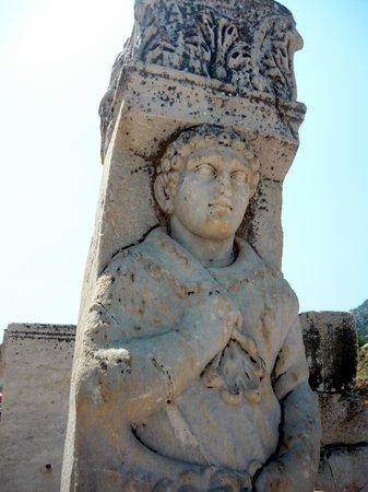 Heracles Gate: particolare