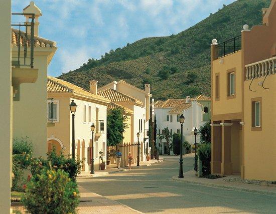 Las Lomas Village