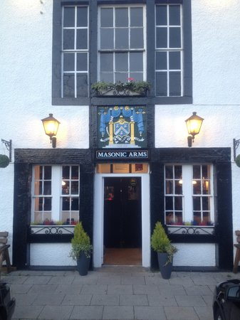 Masonic Arms: Front of pub