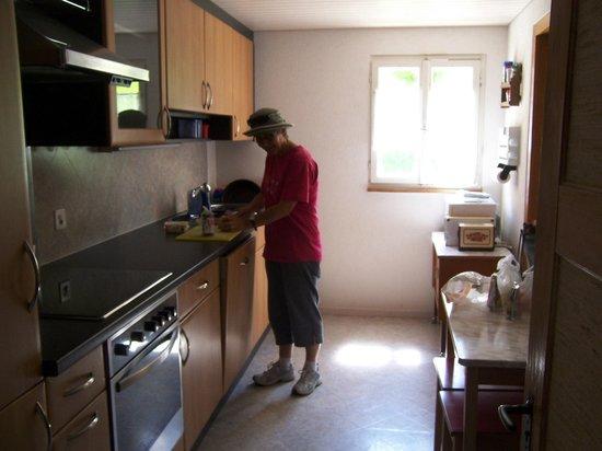 Ferien am See: The communal kitchen.