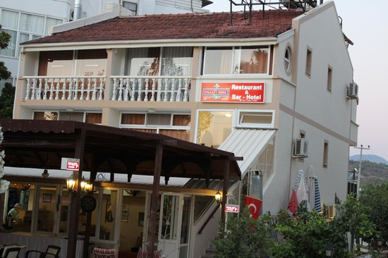 Hotel Villa Berk: HOTEL FRONT VIEW